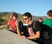 estudiantes y turistas en alcazaba en malaga