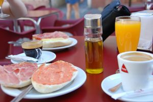 Spanish traditions: breakfast in Spain – learn Spanish at Academia CILE in Malaga