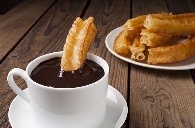 churros-con-chocolate