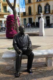 Picasso statue in Malaga - Academia CILE