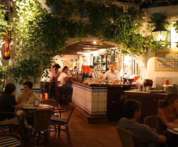 CILE école d'espagnol à Malaga - Cours d'espagnol Antonio Banderas Restaurant