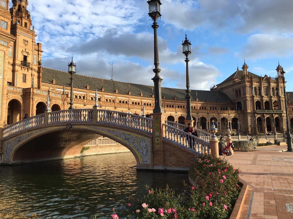 посмотреть на юге Испании