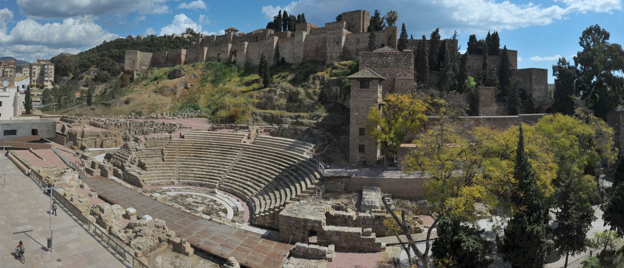 Things to see in Malaga:Alcazaba - learn Spanish at ...